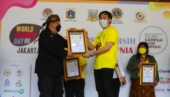 Gandeng Le Minerale, Lions ClubKembali Gelar World Cleanup Day
