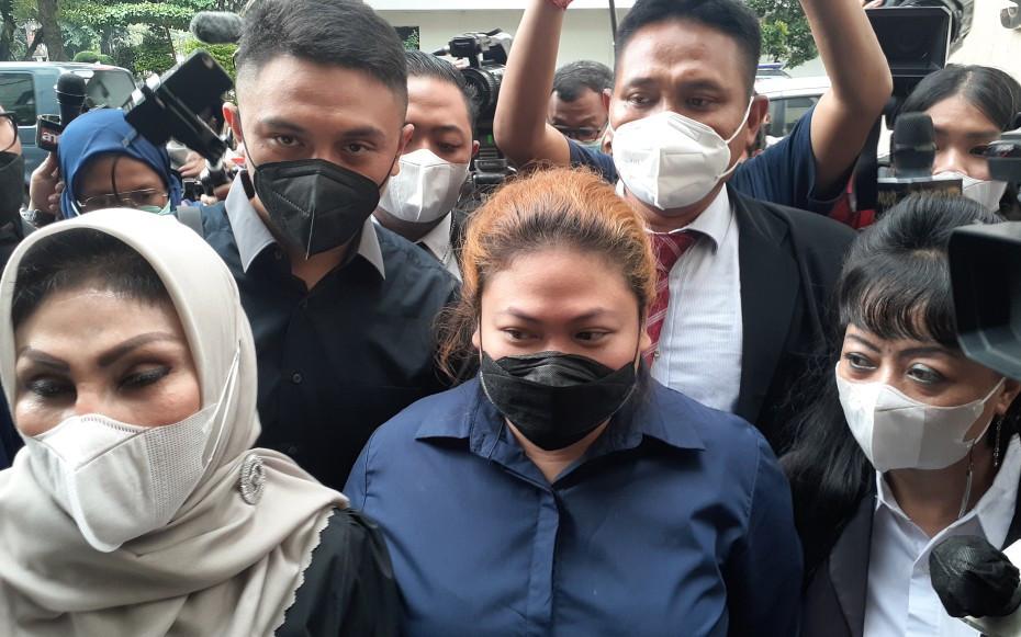 Anak Nia Daniaty Kembali Diperiksa Polisi Hari Ini