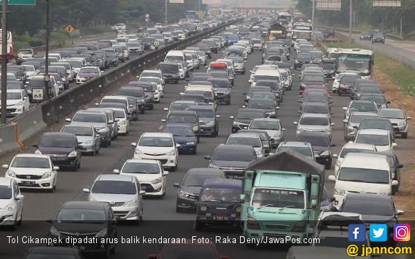 765 Ribu Mobil Belum Kembali ke Jakarta - JPNN.com