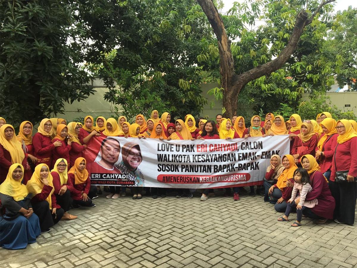 Bursa Pilkada Surabaya: Eri Cahyadi Disayang Emak-Emak, Panutan Bapak-Bapak