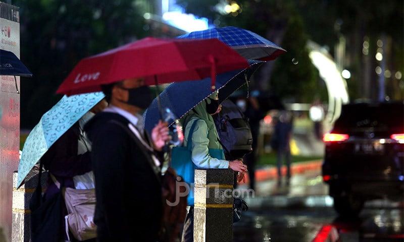 Peringatan Dini BMKG, Warga Bogor, Depok, dan Bekasi Wajib Waspada Malam Ini - JPNN.com