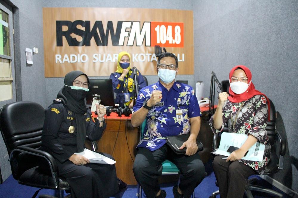 Bersama Instansi Lain, Bea Cukai Menyosialisasikan Ketentuan Cukai Lewat Radio - JPNN.com