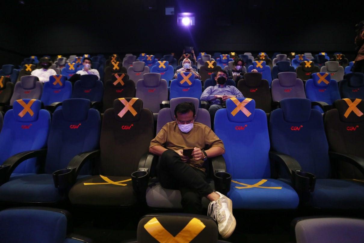 Bioskop CGV Kembali Beroperasi, Penonton Antusias