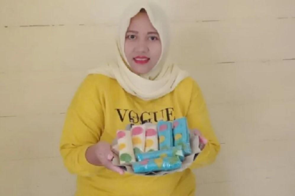 Tampilannya Menarik, Dadar Gulung Polkadot Merambah Minimarket - JPNN.com Jatim