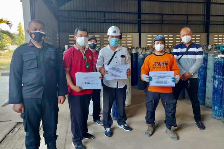 Alumni UGM di Jatim Gandeng PT Smelting Bagikan 1.500 Tabung Oksigen Gratis - JPNN.com Jatim