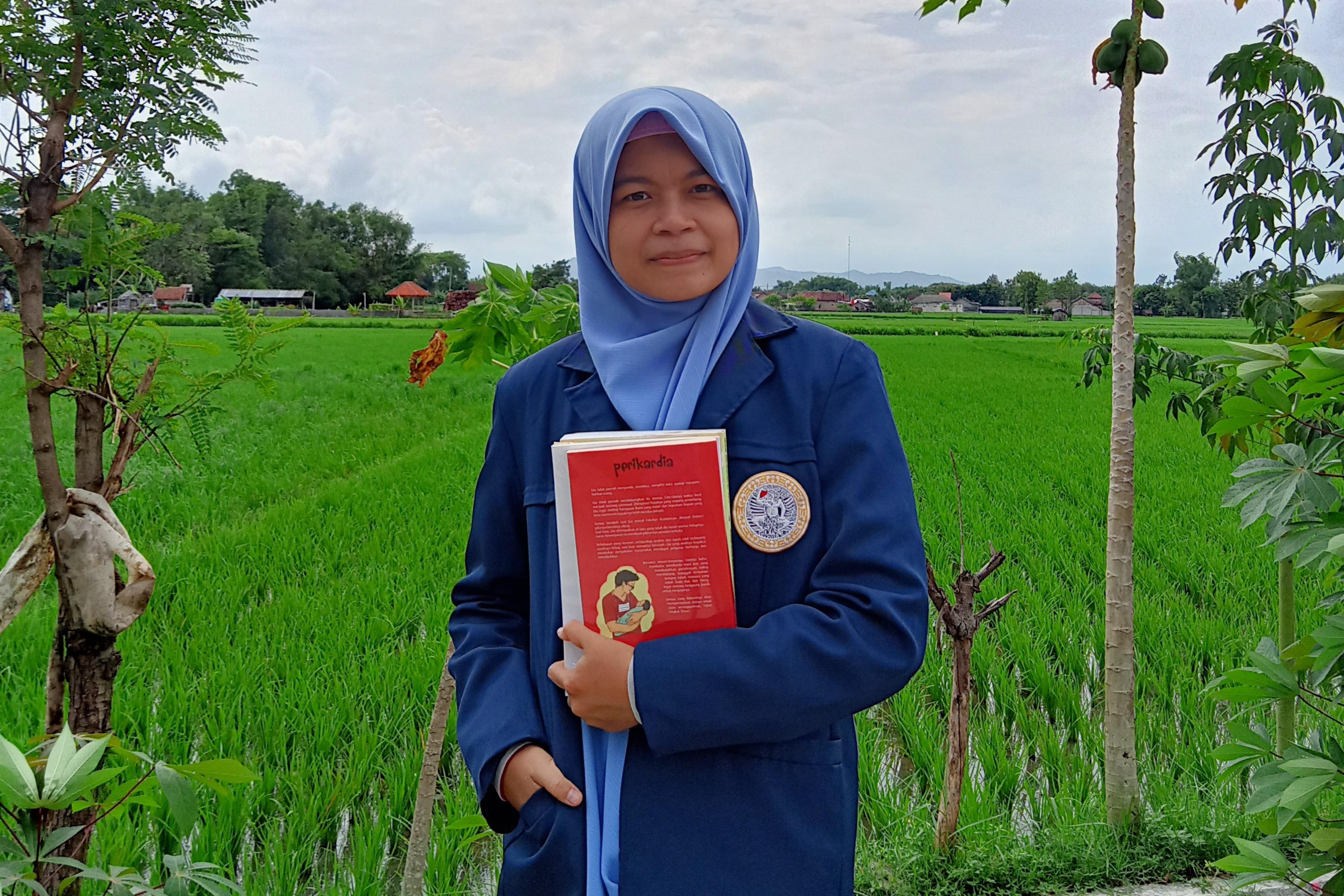 Kuliah dengan Beasiswa, Rosda Jadi Wisudawan Berprestasi FK Unair - JPNN.com Jatim