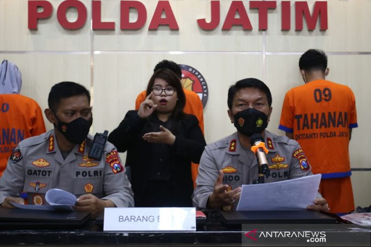 Simak Modus Penagih Pinjol di Jatim, Sampai Ancam Viralkan Foto KTP Korban - JPNN.com Jatim